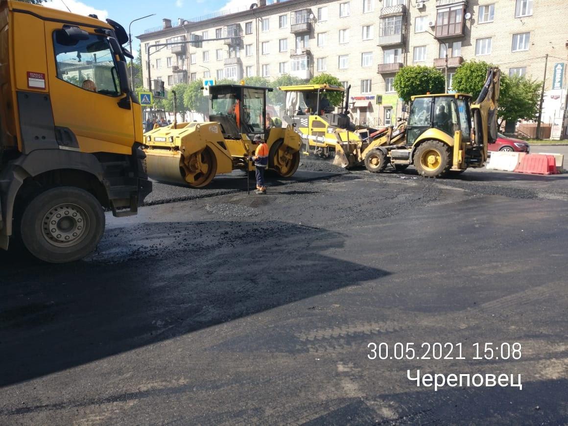 Асфальтирование улицы Сталеваров. Фото состраницы Артема Дмитриева