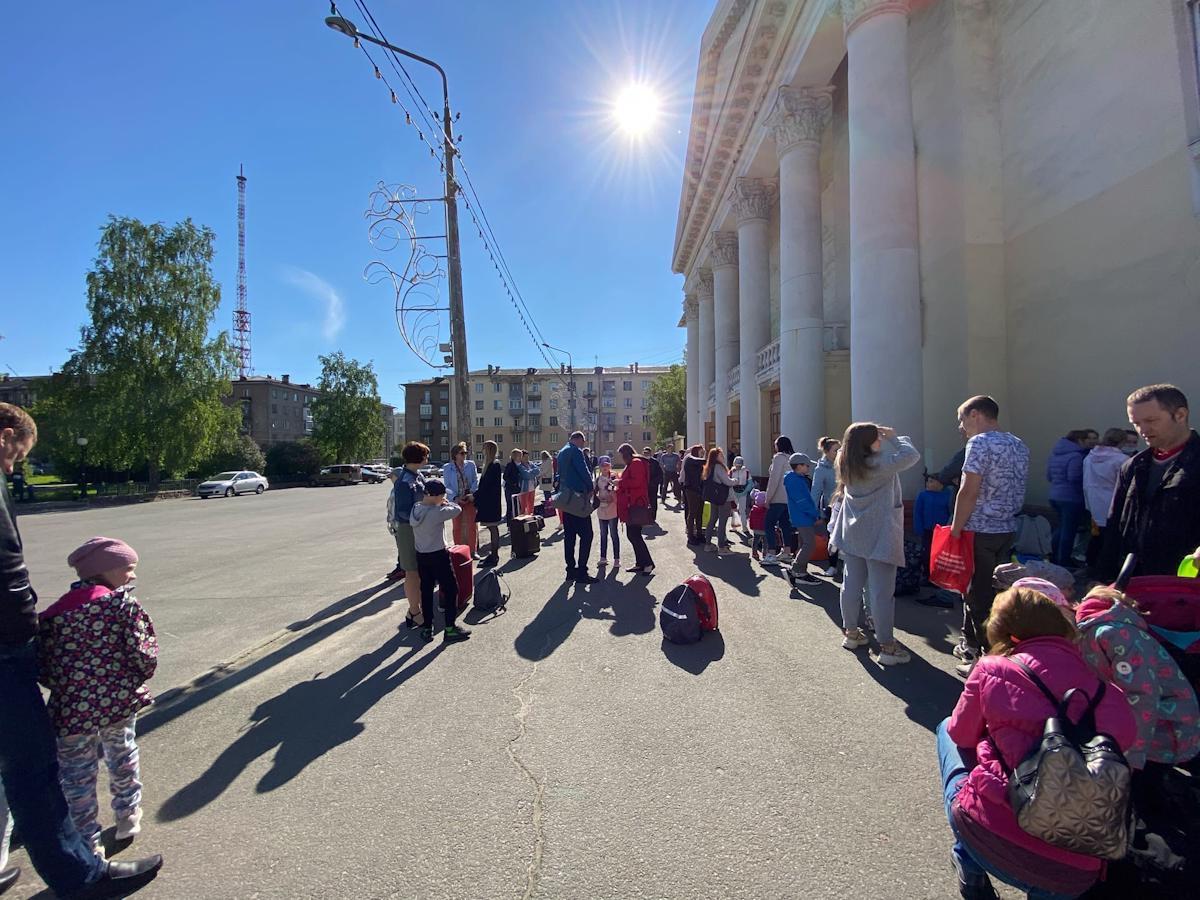 220 детей отправились вдетский оздоровительный лагерь набазе Дома отдыха «Торово»