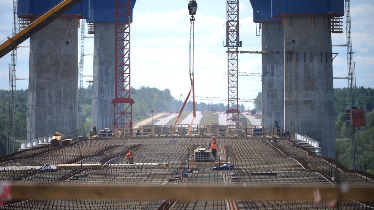 За год мост еще подрос
