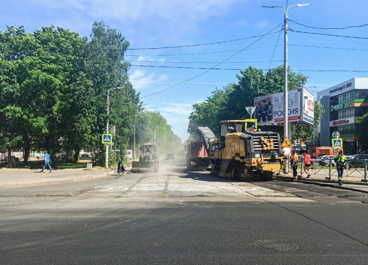 Сегодня завершается фрезерование старого асфальта на Московском проспекте