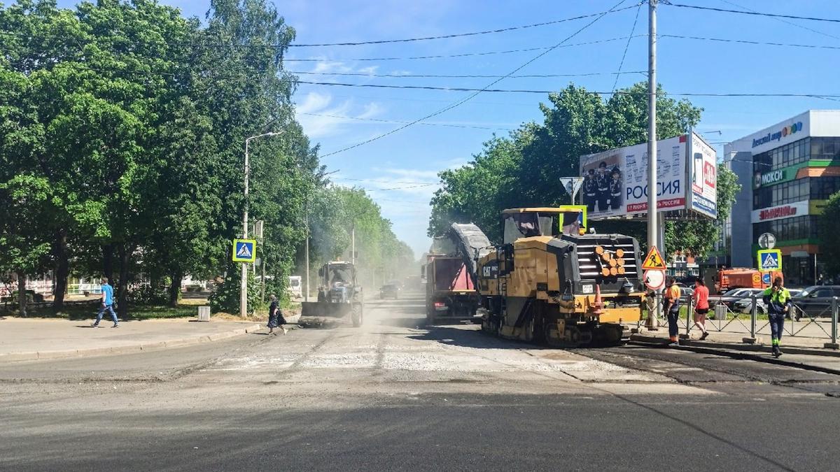 Движение частично ограничат на Московском проспекте в Череповце