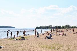 Купание на пляжах «Строитель» и у лыжной базы пока не разрешено из-за плохих проб воды.