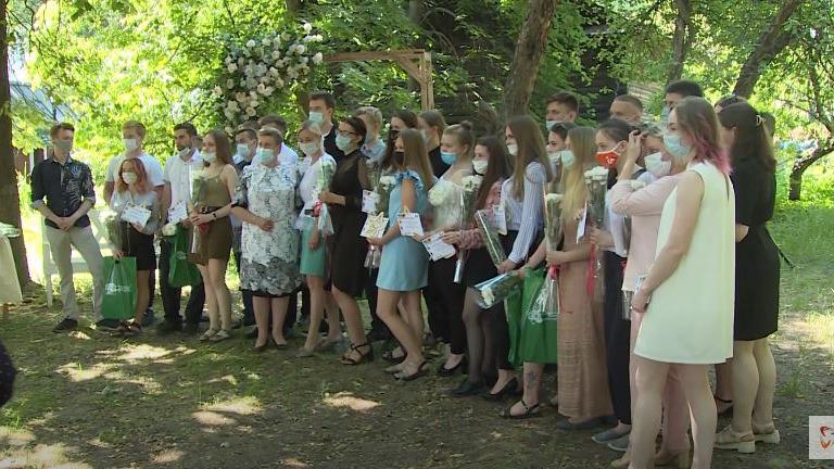 Лучших студентов-выпускников средне-профессиональных учебных заведений  сегодня чествовали в Череповце
