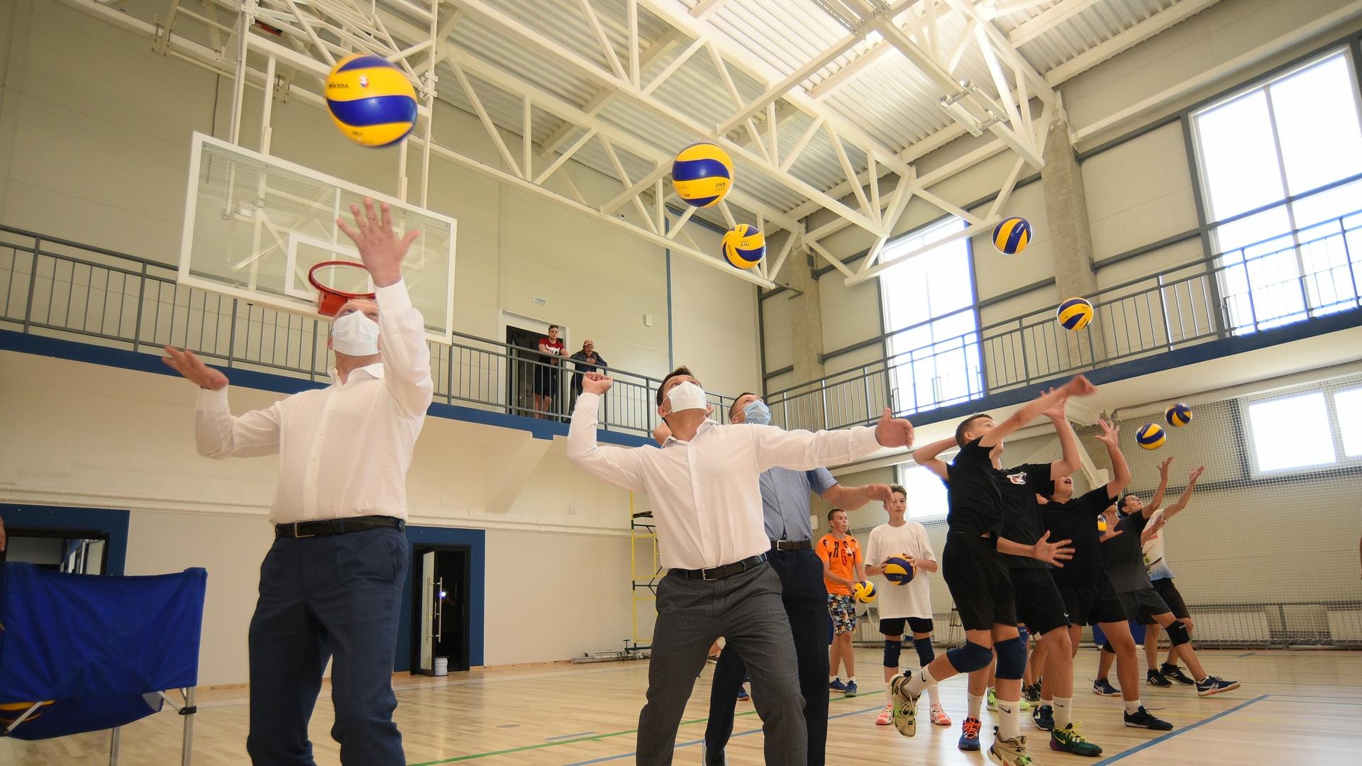 Сегодня состоялось открытие спортивного объекта, в котором принял участие мэр Вологды Сергей Воропанов