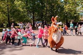 В организации семейного фестиваля участвовали более 30 добровольцев, 22 организации.