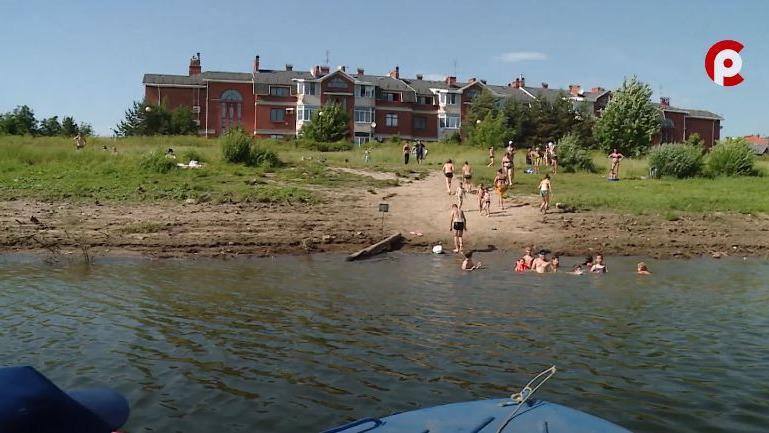 Игнорируют правила и рискуют собственными жизнями: вологжане оккупировали запрещенные для купания и отдыха места