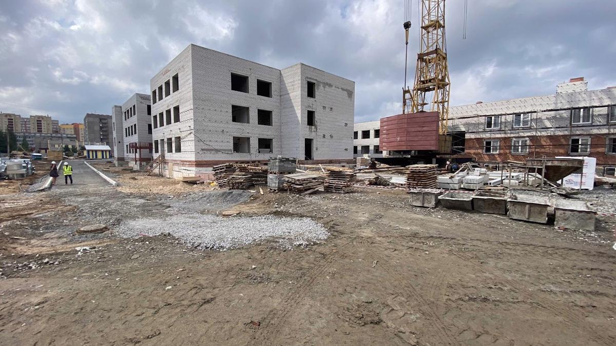 Строительство двух детских садов в Зашекснинском районе будет завершено в этом году