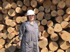 Инженер-технолог цеха обеспечения сырьем Наталья Петрова 35 лет работает на ЧФМК
