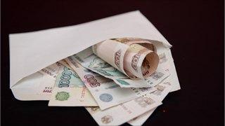 Владимир Путин подписал закон, который защитит от взыскания минимальный доход должников