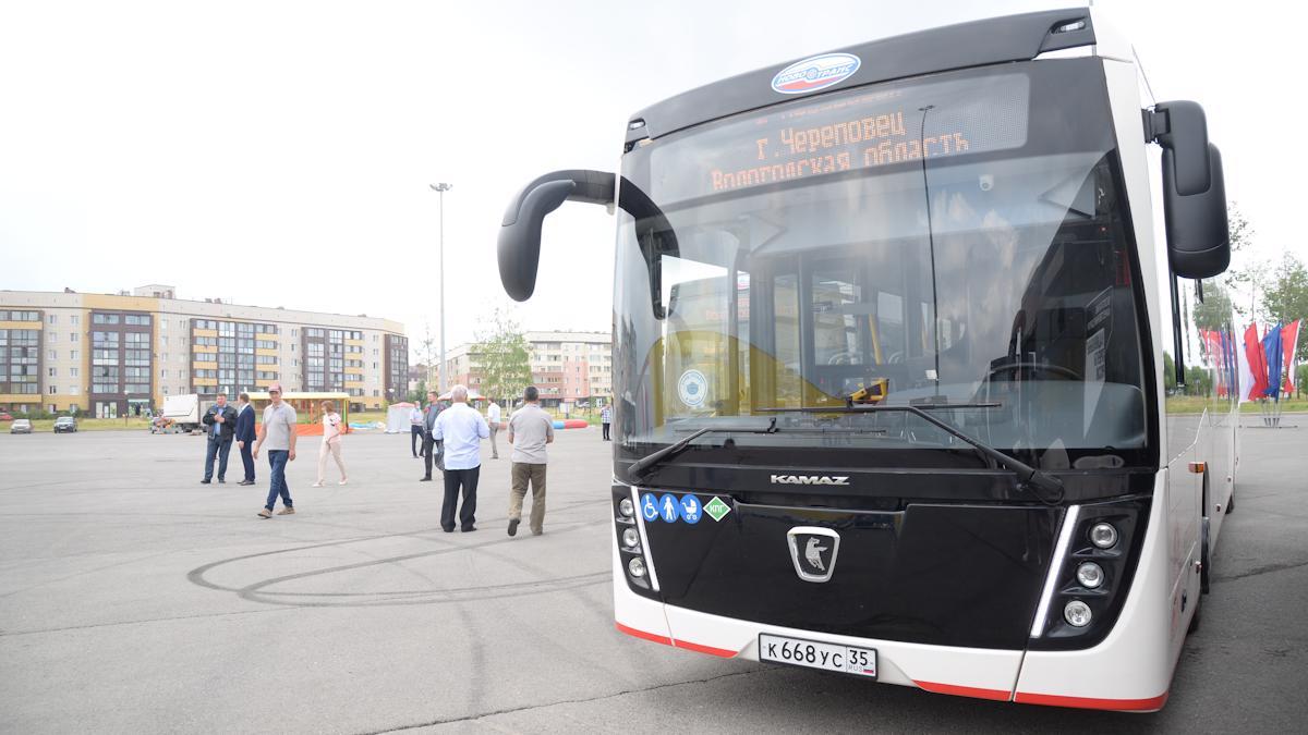 На городские маршруты вышли 18 новых автобусов