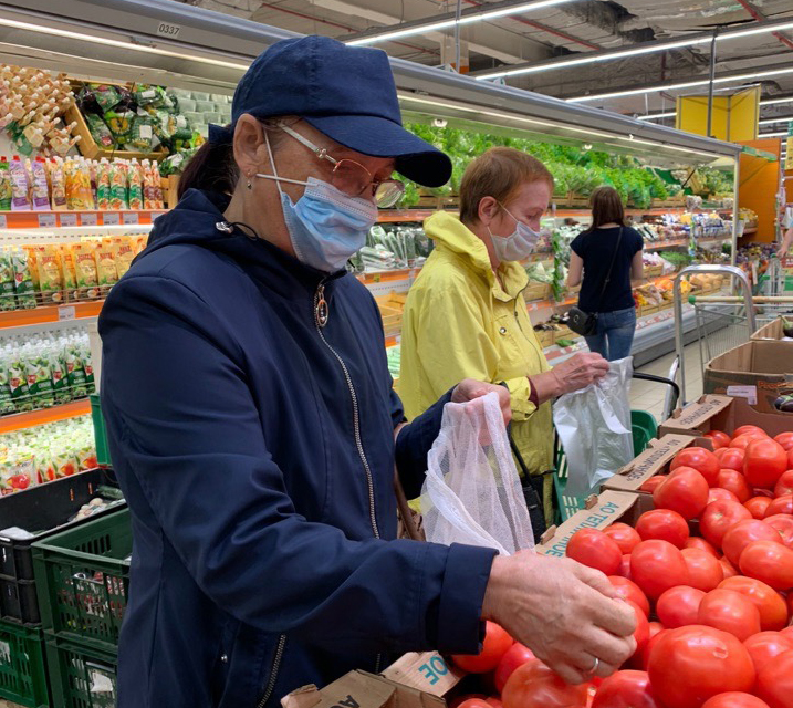 Больнее всего пандемия ударила пообщепиту: оборот общественного питания составил 8100 рублей вгод нажителя Череповца