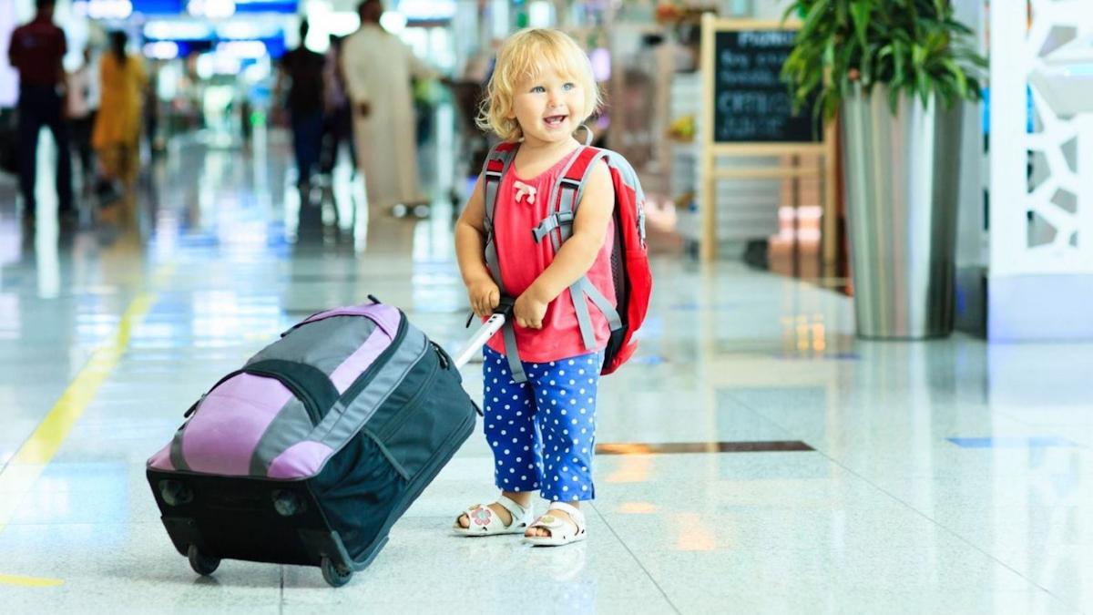 Выезд детей за рубеж значительно упростили в России