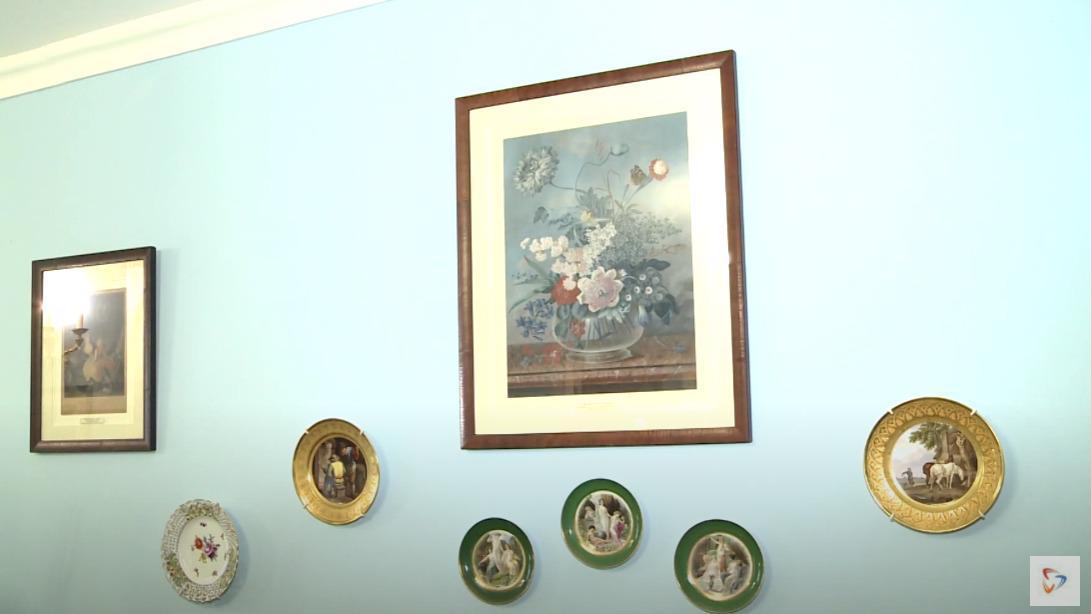 Уникальная выставка «Войди в мой сад…»  открылась  в барском доме усадьбы Гальских
