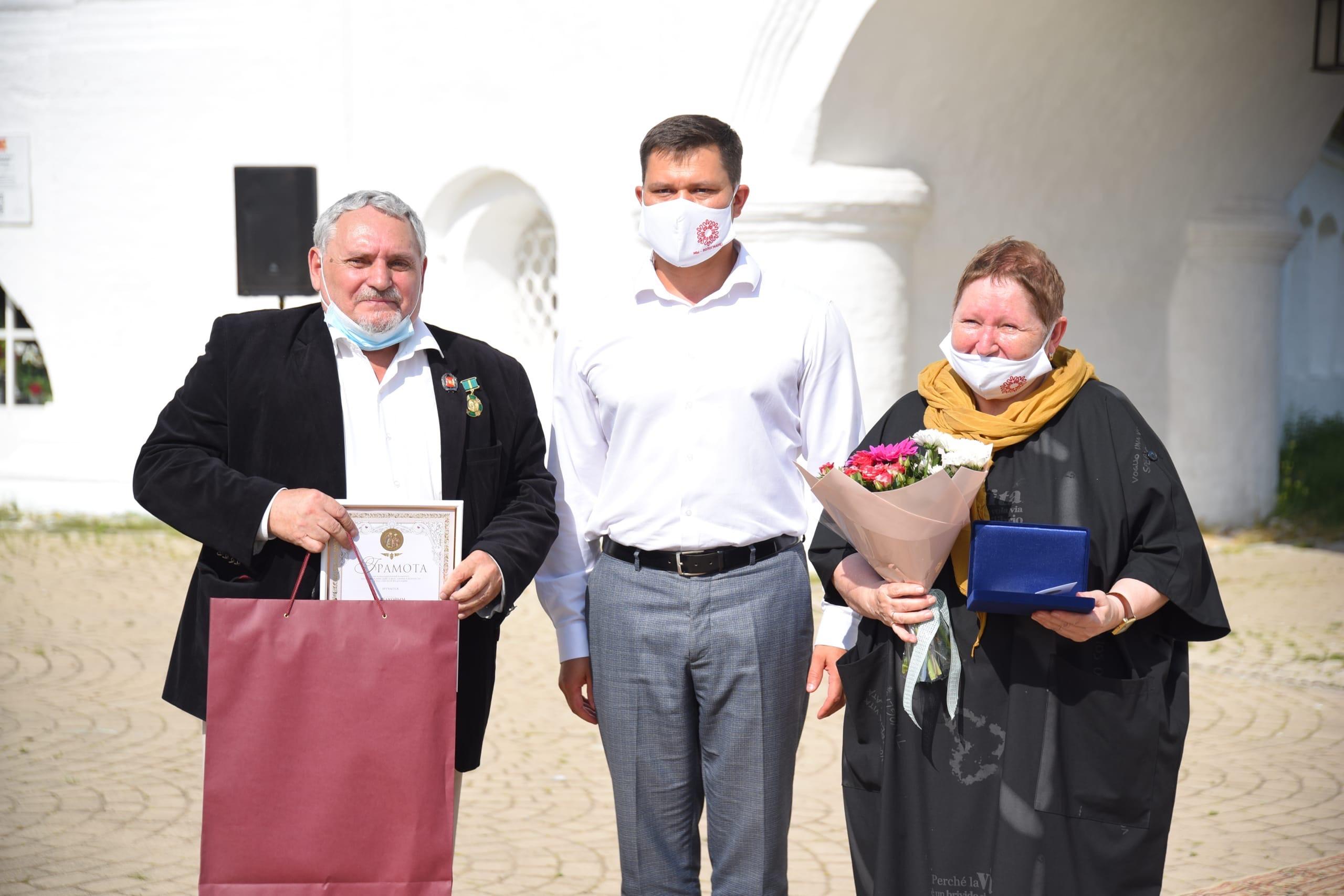 Торжественная церемония, посвященная Дню семьи, любви и верности, прошла на территории Спасо-Прилуцкого монастыря