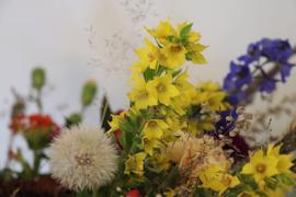 Композиции, повторяющие сюжеты картин, создали флористы