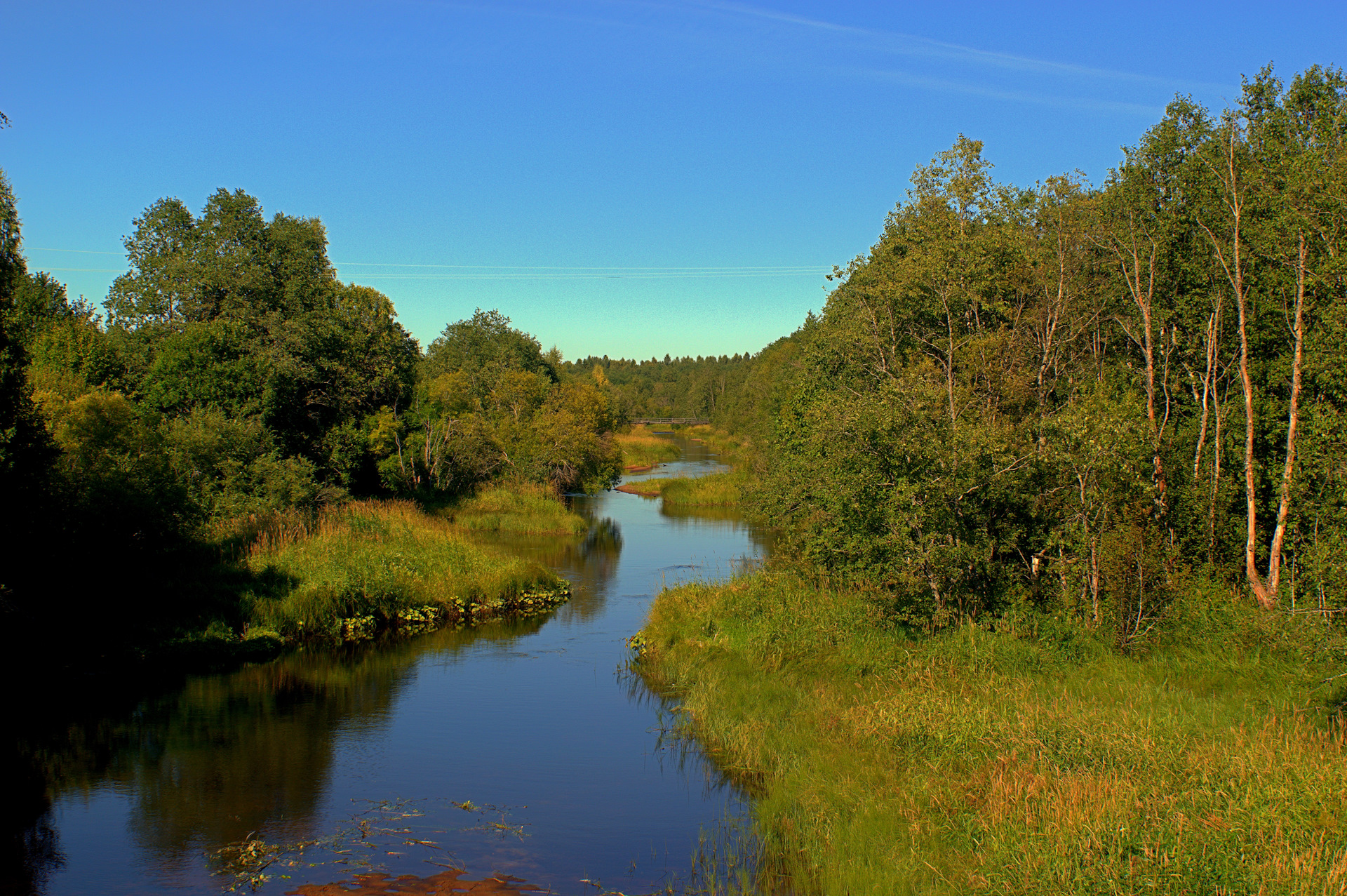 Река Колпь протекает в Бабаевском и Кадуйском районах.