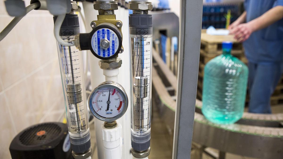 Какие этапы проходит вода, добытая в Череповце, прежде чем попадет к потребителю?