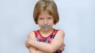 Ребенок матерится: что делать?