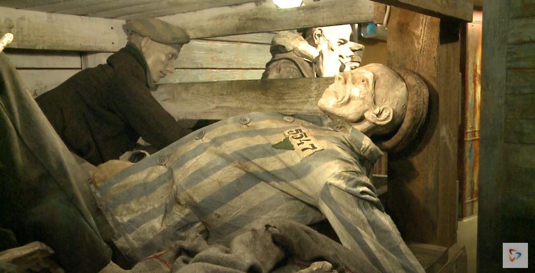 Вагон смерти. В таких советских пленных фашисты отвозили в лагеря
