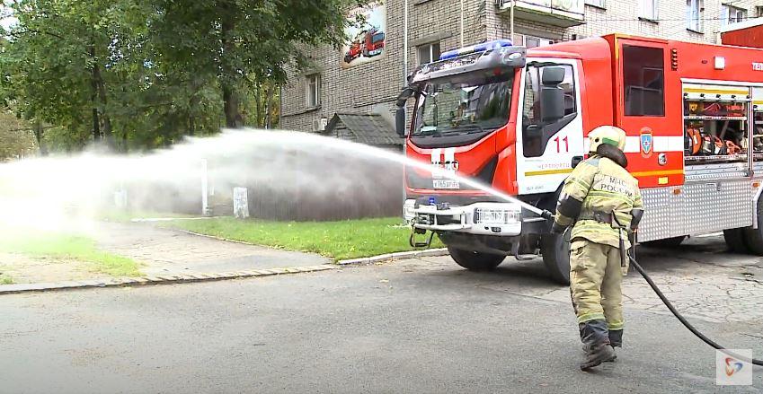 Общая площадь пожара  составила 4 квадратных метра
