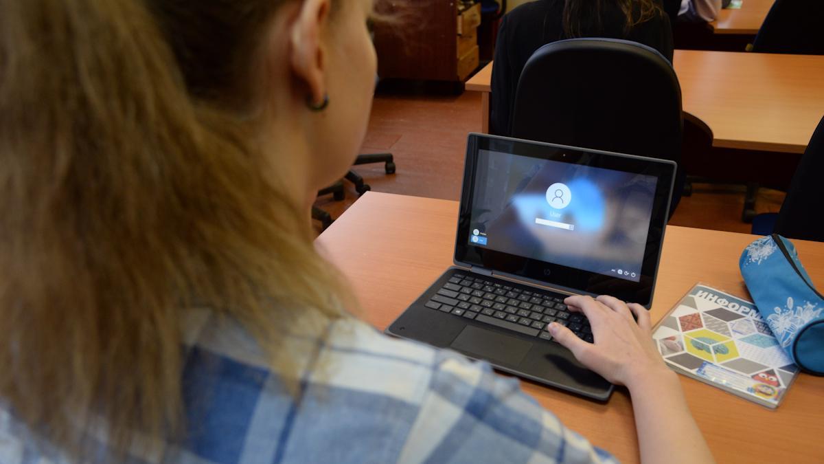 Выпускники школ хотят быть программистами
