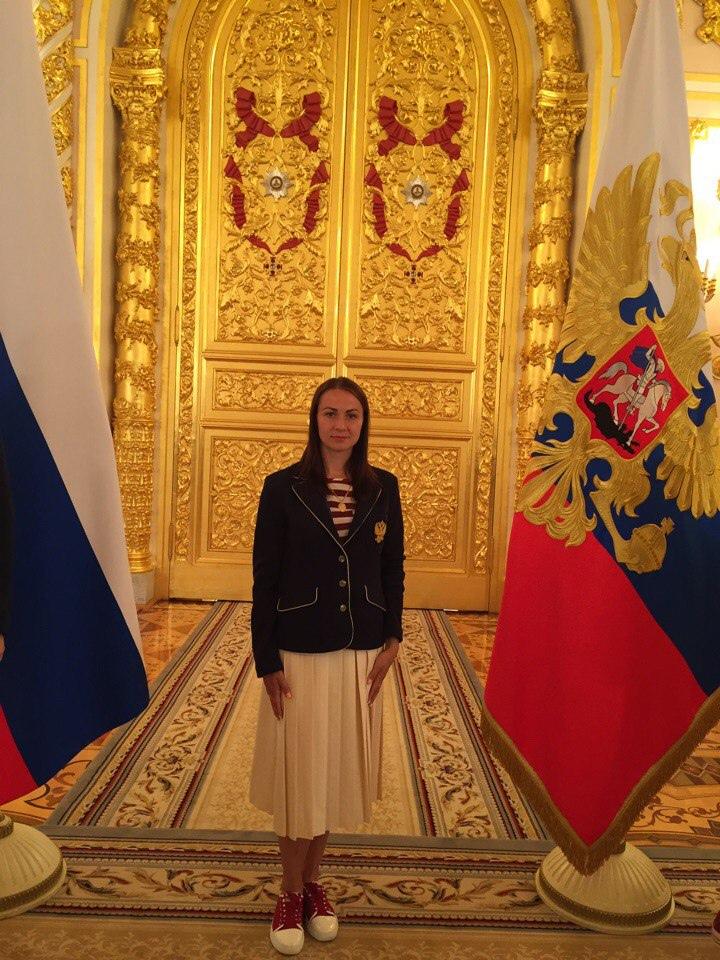 Легкоатлетка Елена Черняева по-прежнему хранит экипировку олимпийской сборной 2016 года.