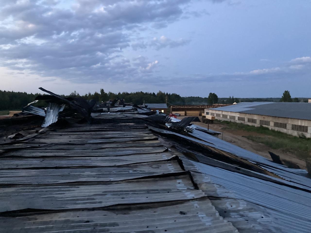 Склад с пиломатериалами горел в Устюженском районе
