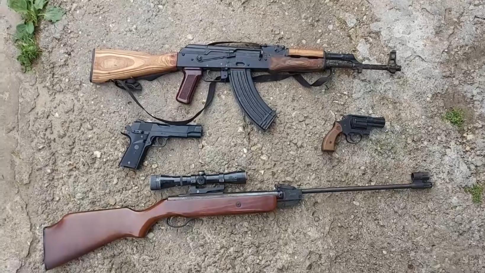 Подпольных оружейников задержали в 25 регионах России