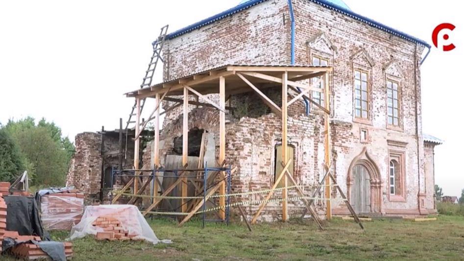 Крест на купол храма Спаса Нерукотворного в Великоустюгском районе вернут до конца августа