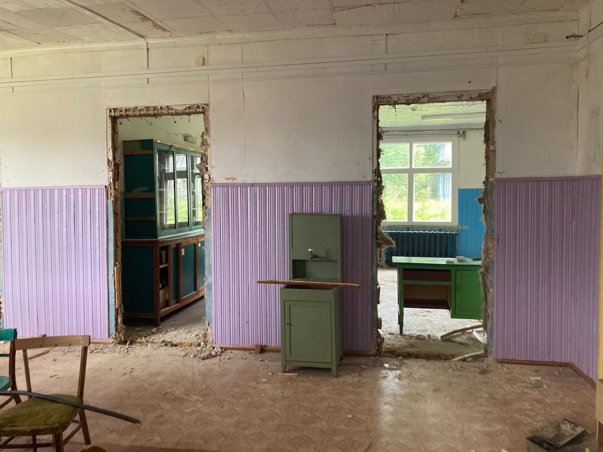 Полностью отремонтировать  школу в деревне Заречье Тарногского района не успеют  к новому учебному году