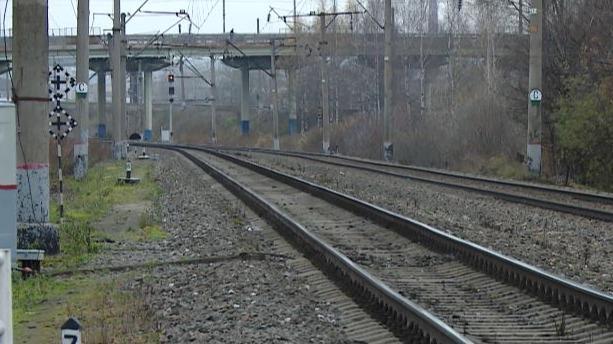 14-летнего подростка на станции Сухона сбил грузовой поезд