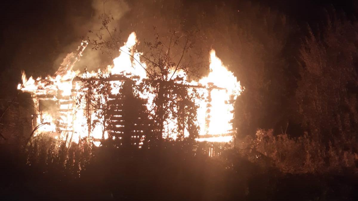 Дачный дом сгорел под Череповцом, есть погибший