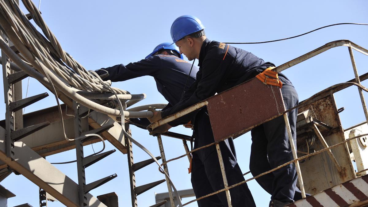 Профессия электромонтажник: вдохнуть силу тока в стройку