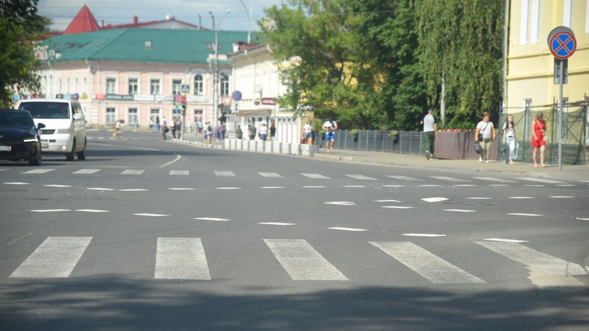 Первая в Вологде диагональная разметка нанесена на перекрестке ул. Козленская и М. Ульяновой