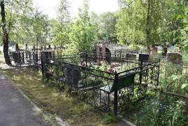 На пяти череповецких кладбищах захоронено около 200 000 человек .