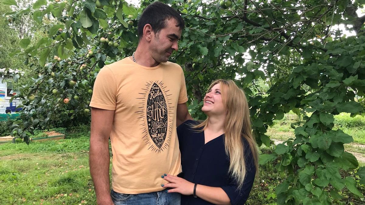 Молодая супружеская пара из Санкт-Петербурга перебралась жить в Вологодскую деревню