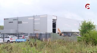 Крытый каток с искусственным льдом в микрорайоне Бывалово начали строить в июне прошлого года