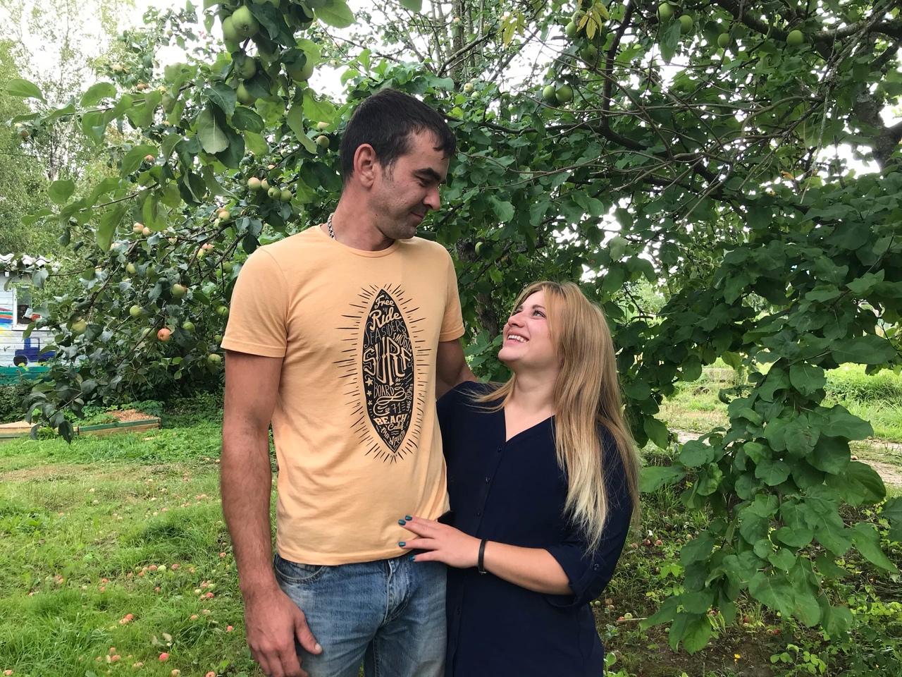 Максим и Юлия Гармашева вернулись в деревню из мегаполиса и о принятом решении не жалеют