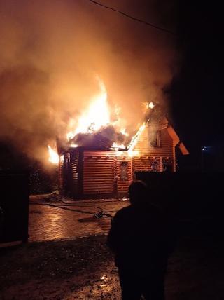Сообщение о пожаре поступило накануне в 22.20
