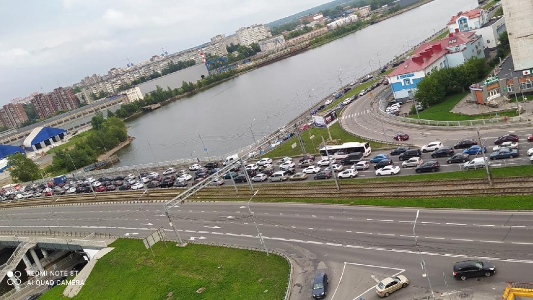 Движение в сторону Заречья было парализовано в Череповце
