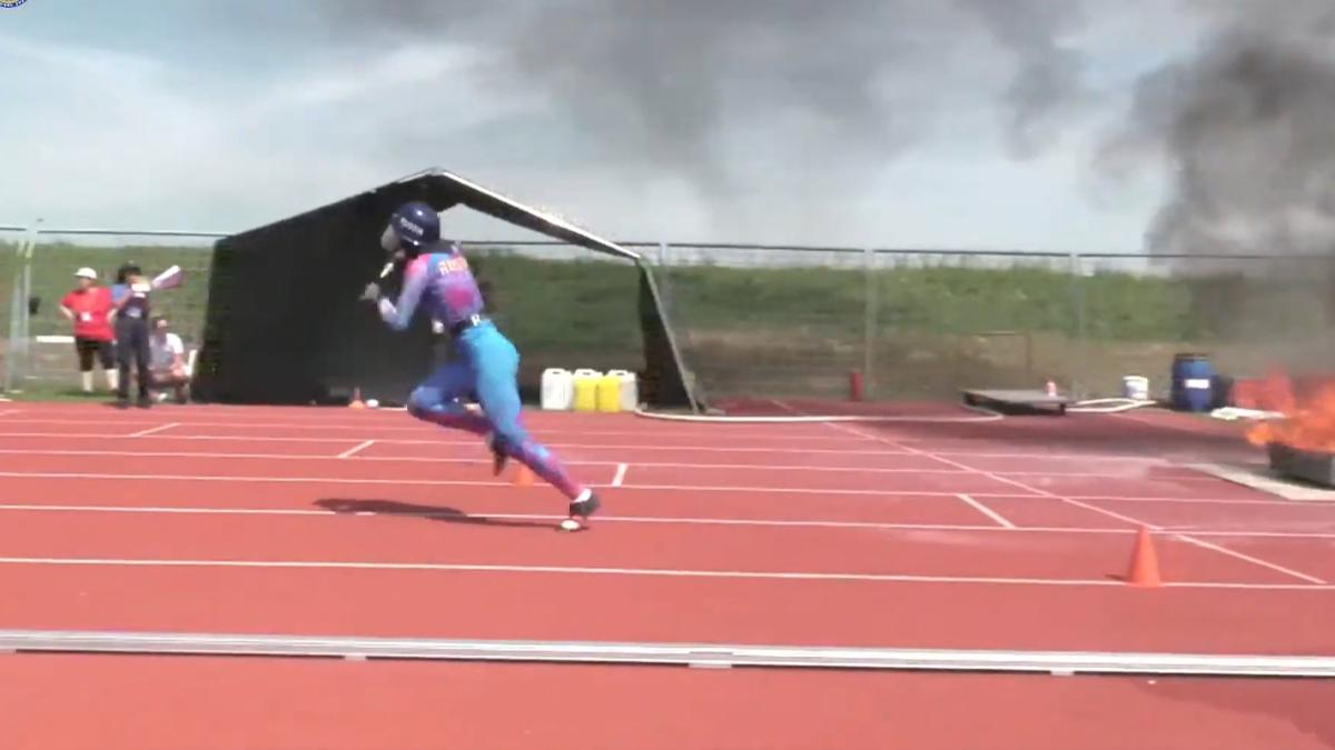 Сборная России, в составе которой вологжанка Дарья Лобанова, лидирует на Чемпионате по пожарно-спасательному спорту