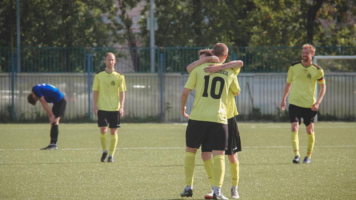 Две победы футболистов в кубковых матчах