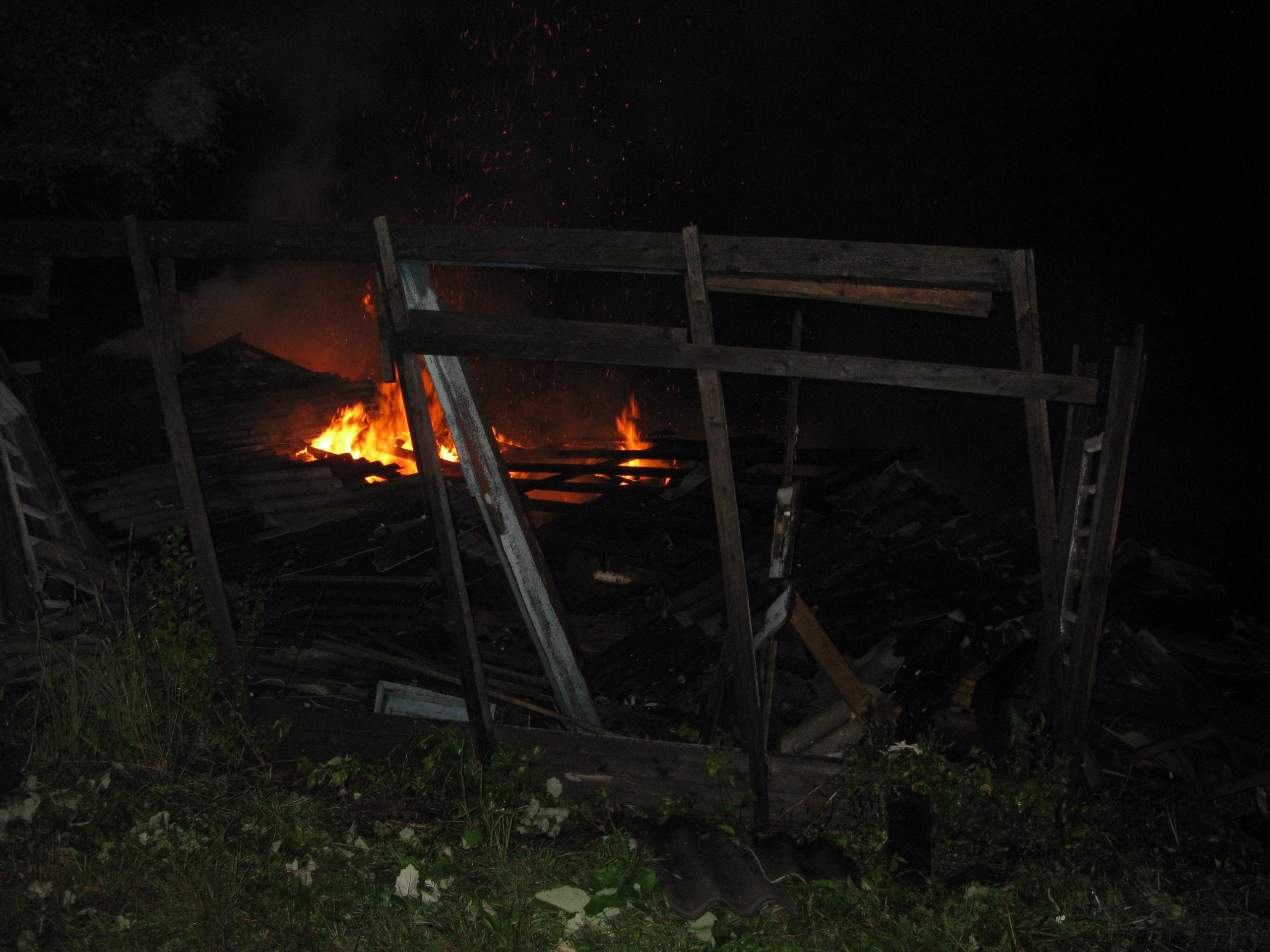 Мужчина погиб при пожаре в Сямженском районе