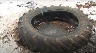 Мальчик наступил на незакрепленную крышку канализационного люка