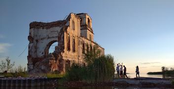 В прошлом году храм был официально передан благотворительному фонду «Крохино»