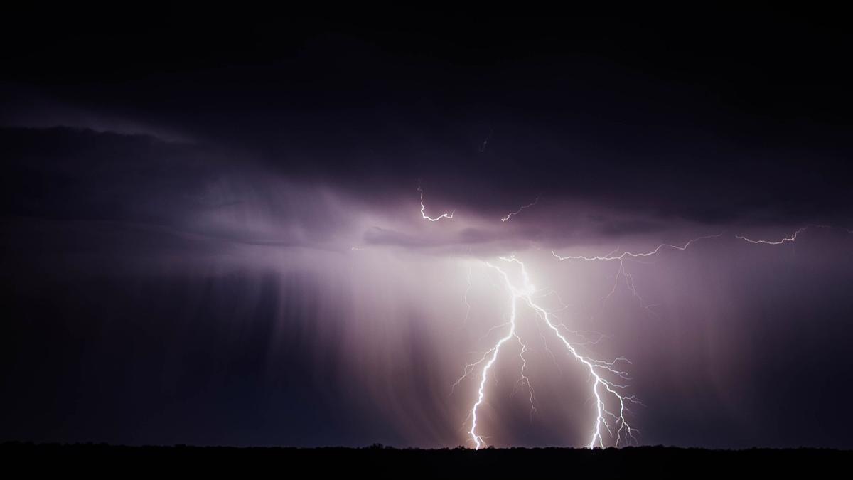 Буря надвигается на Вологодчину