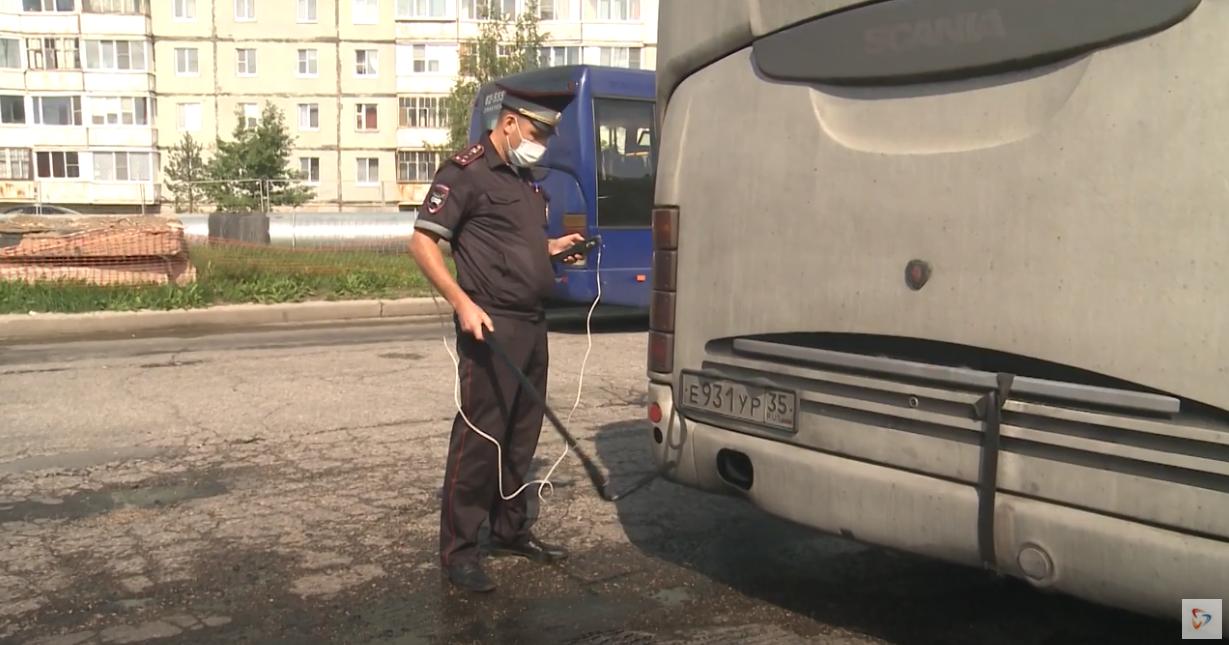 Проверку пассажирского транспорта инспекторы проводили по всему городу