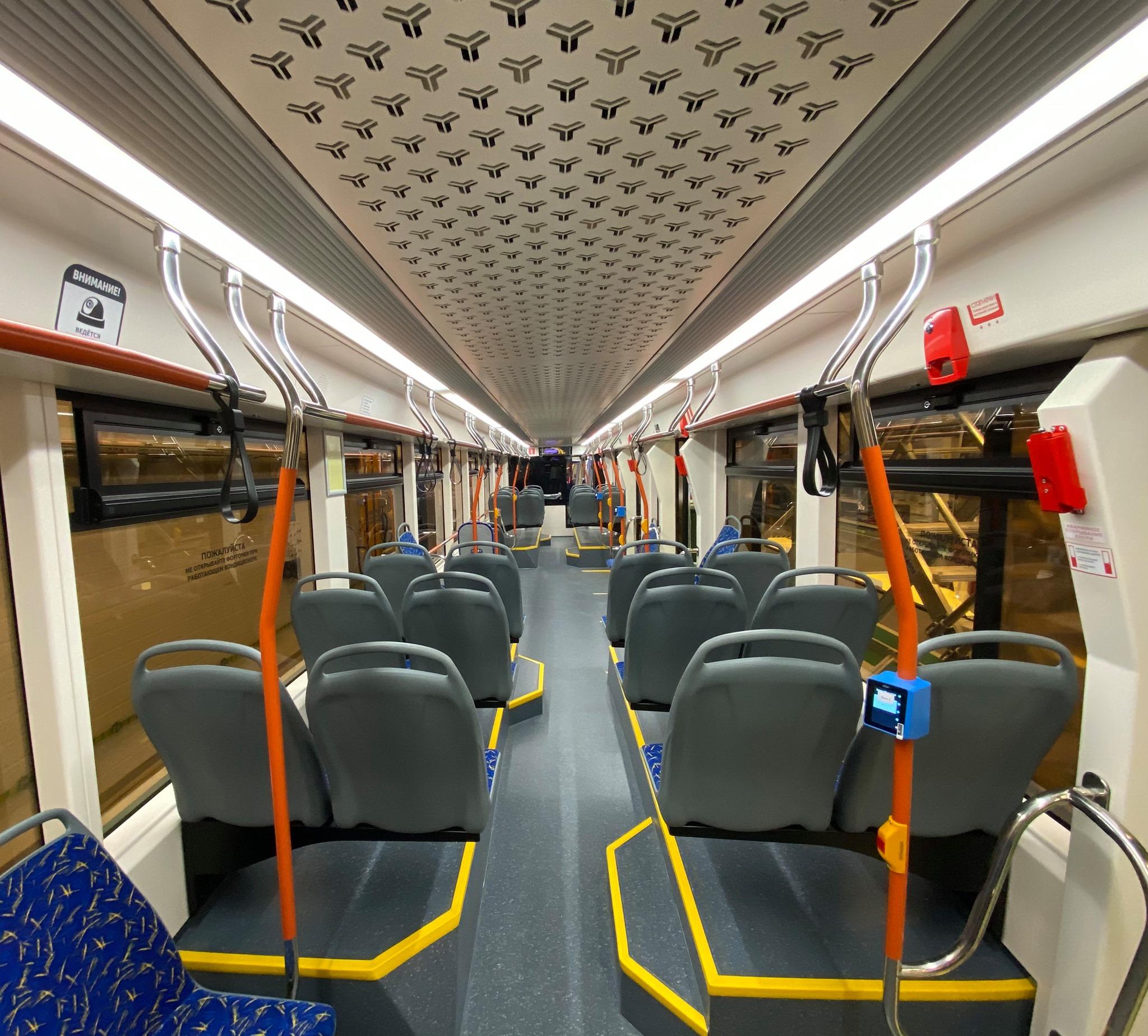 «Львята» оснащены 40 комфортными сидениями, USB-розетками для зарядки мобильных устройств, кондиционерами