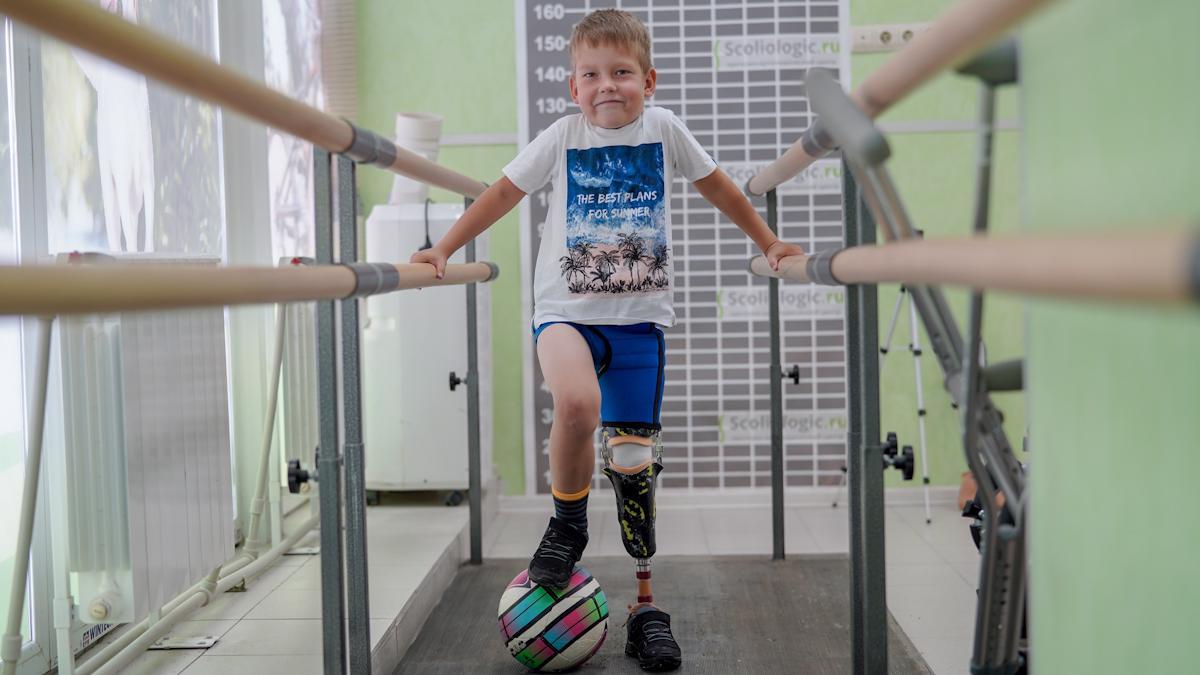 Мальчик с протезом голени пойдет в первый класс Сямженской школы