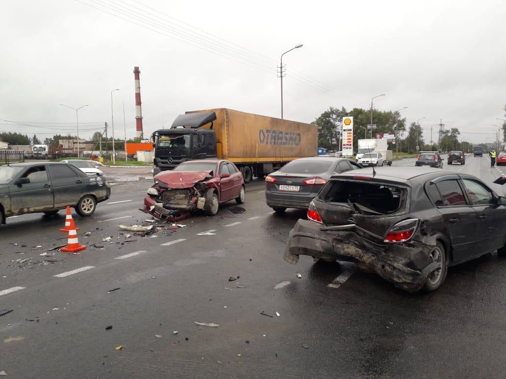 Одну из таких аварий нетрезвый мужчина устроил накануне на Кирилловском шоссе